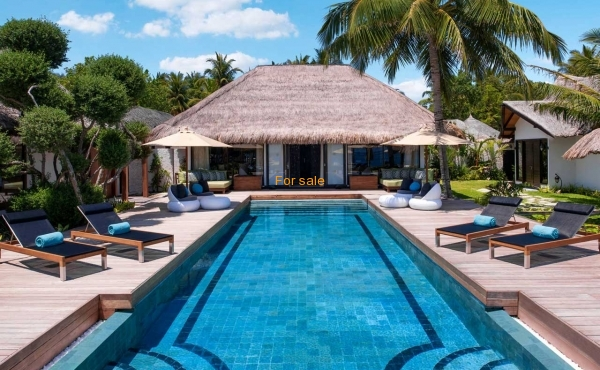 xPP-jumeirah-vittaveli-royal-residence-maldives-pool.jpg.pagespeed.ic.BYe3wgrRLn